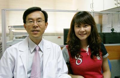 吳漢忠教授與學生李璧君博士