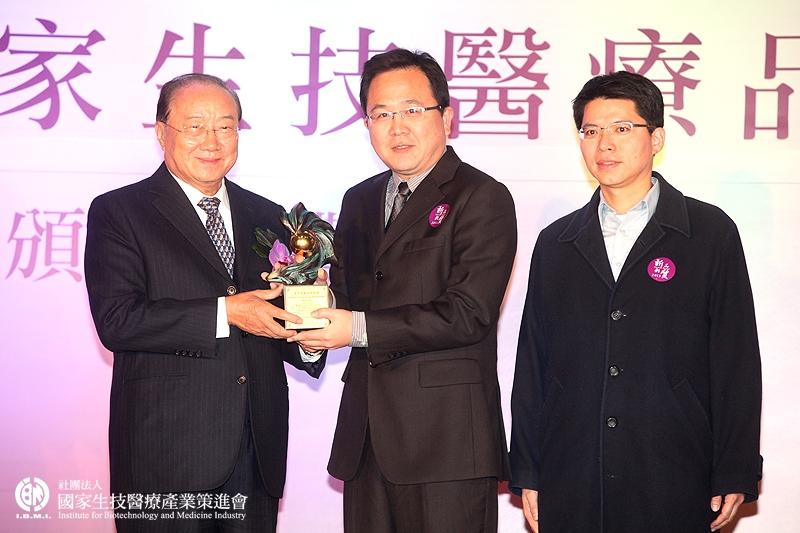 學術研究組獲獎:許源宏博士研究團隊_工業技術研究院