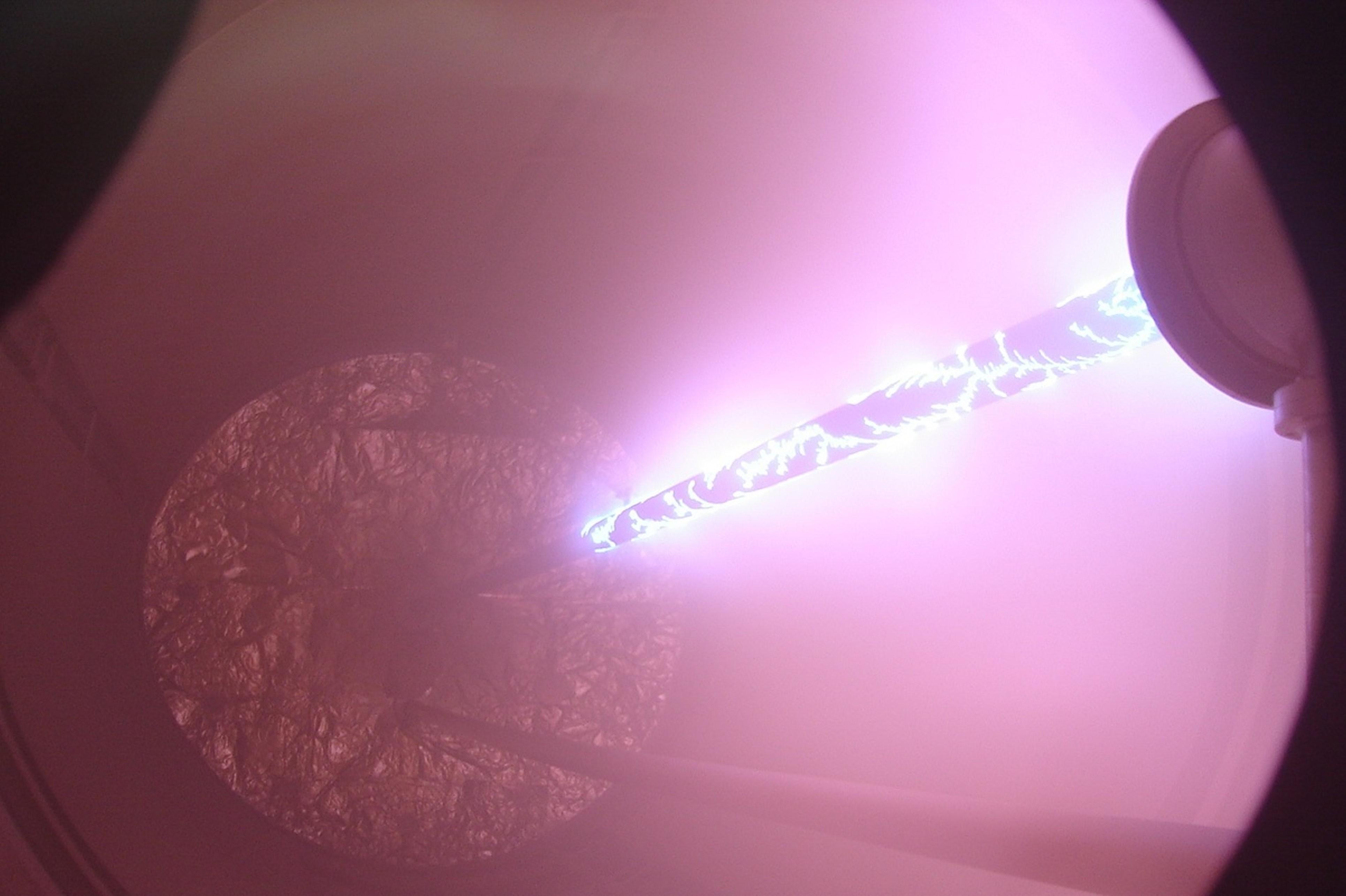 團隊開發的工業級電弧電漿源