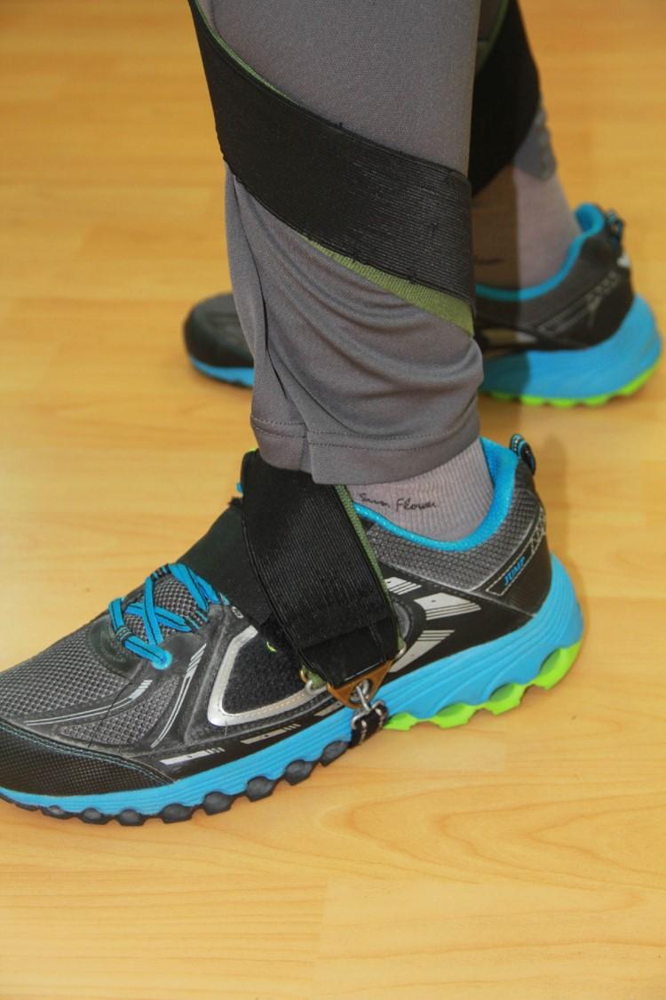 連動式足部側翻矯正裝置.足部固定特寫