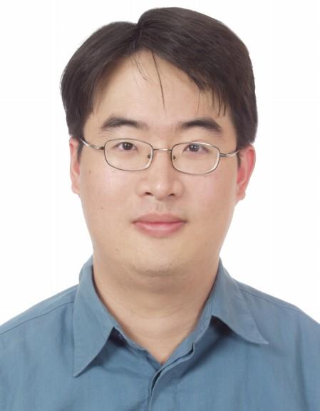 周文彬博士.jpg