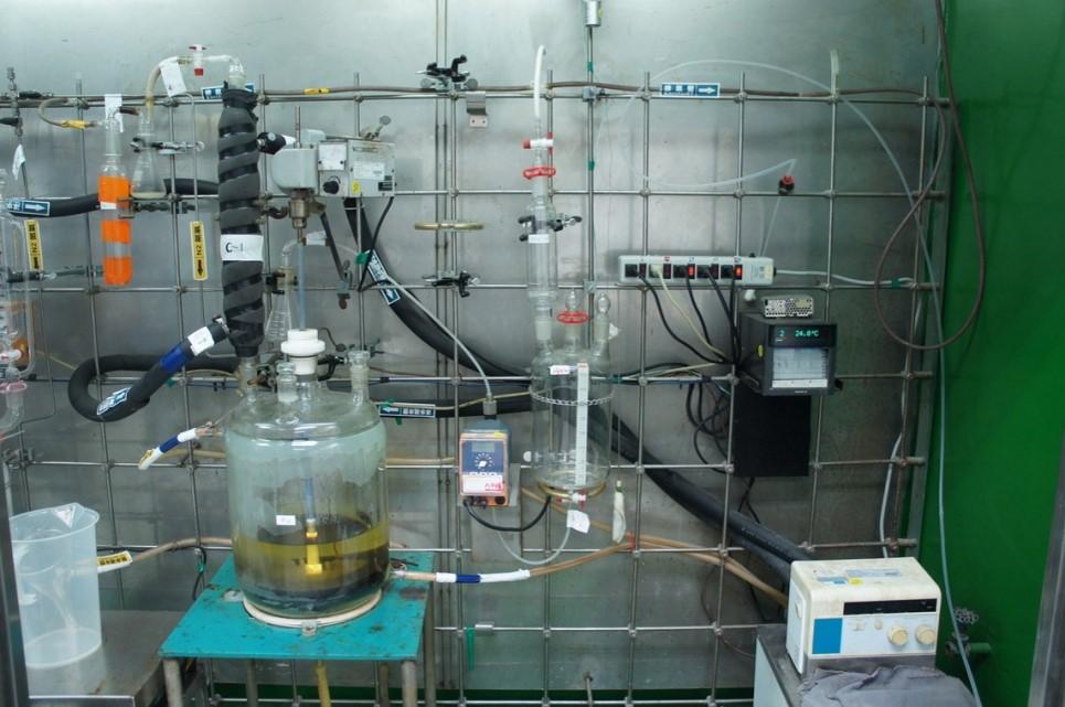 製備高能燃油(離子液體反應槽)
