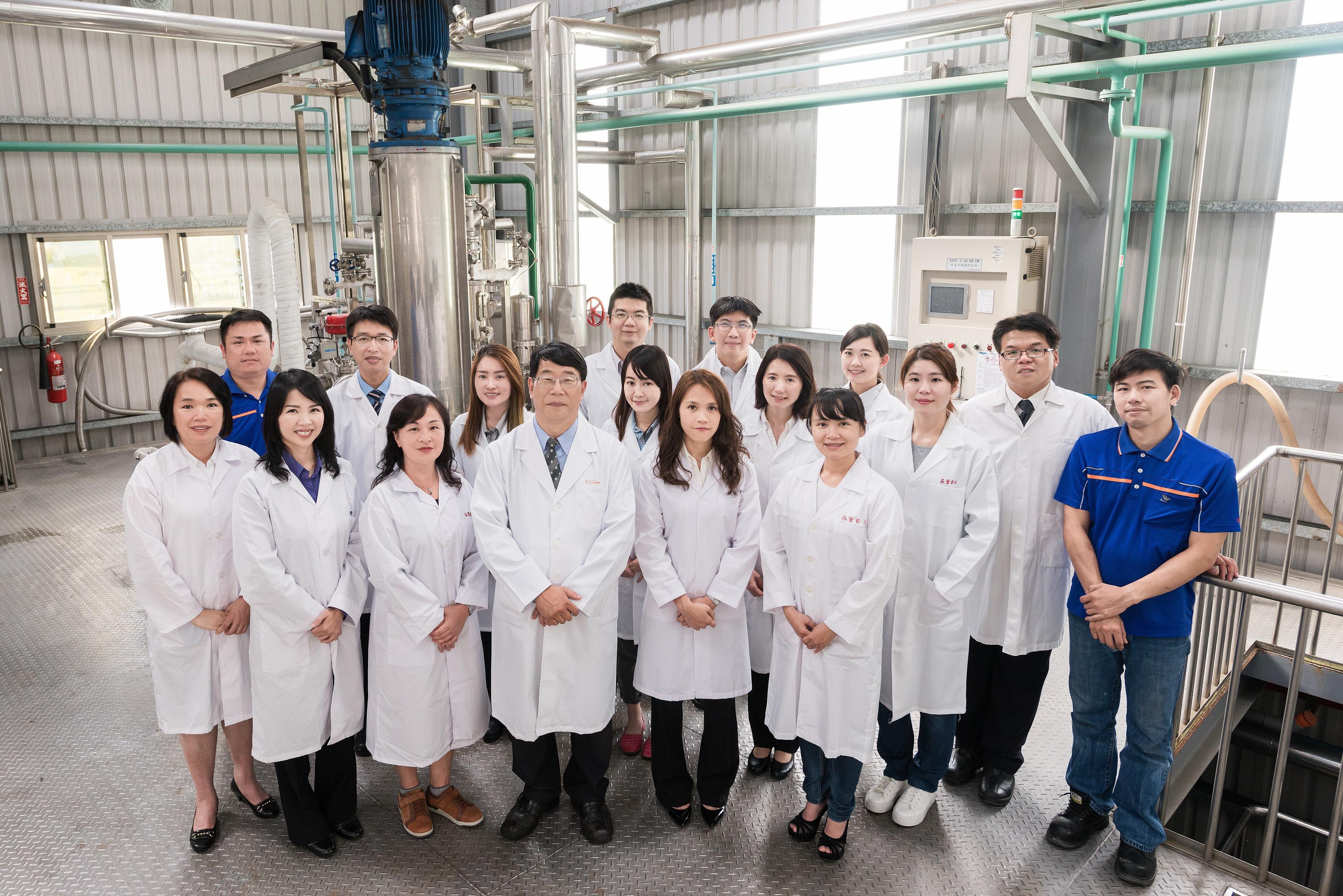 發酵槽設備與研究團隊