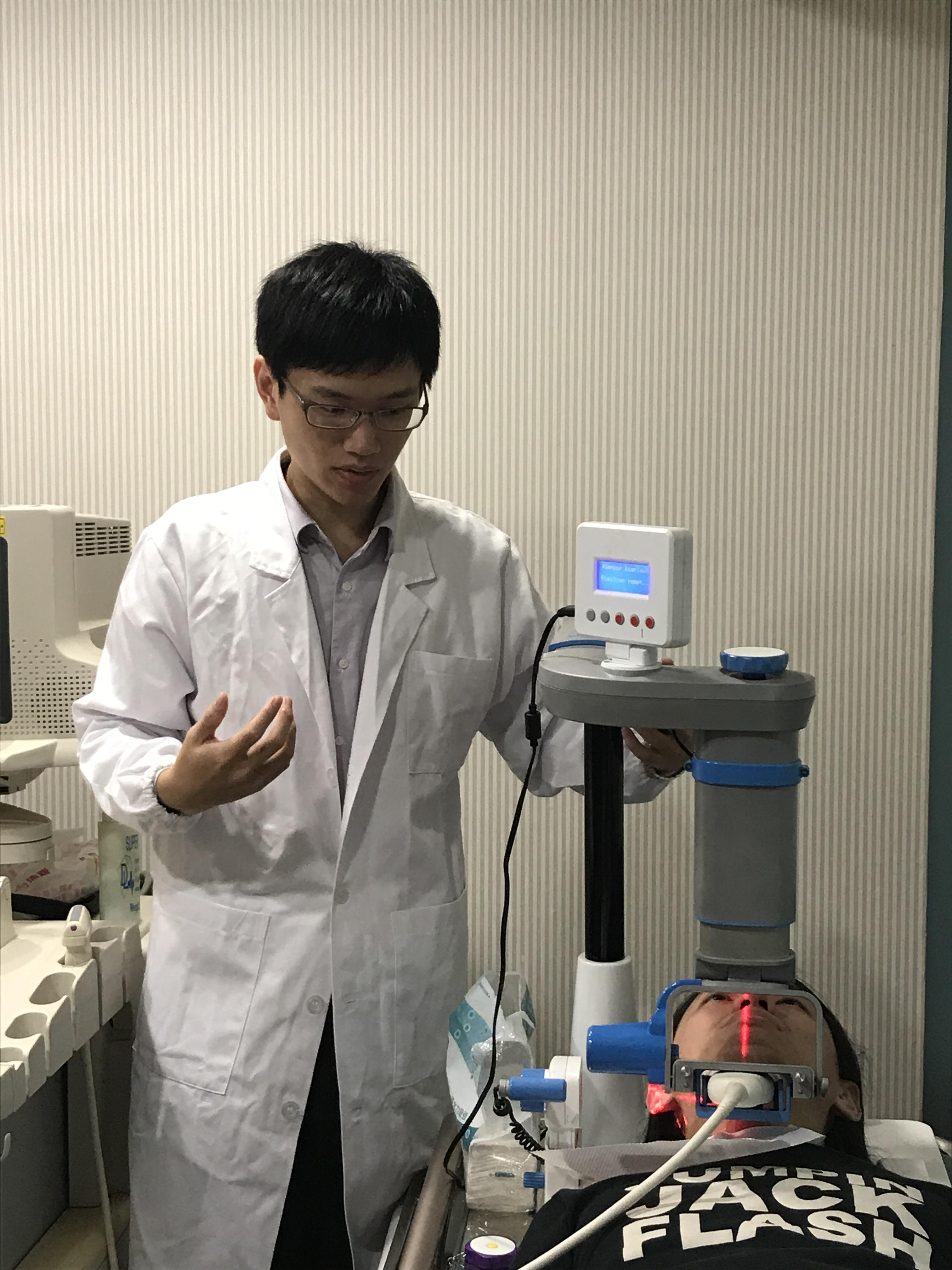 「呼吸中止症超音波電腦輔助診斷裝置  (AmCAD-UO) 」超音波定位裝置實際操作