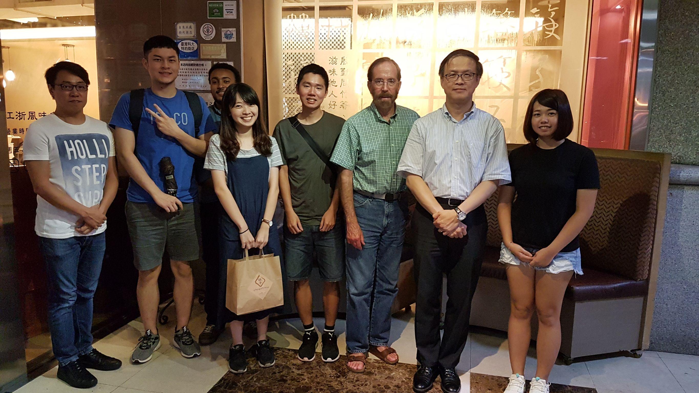 團隊與國外學者定期聚會