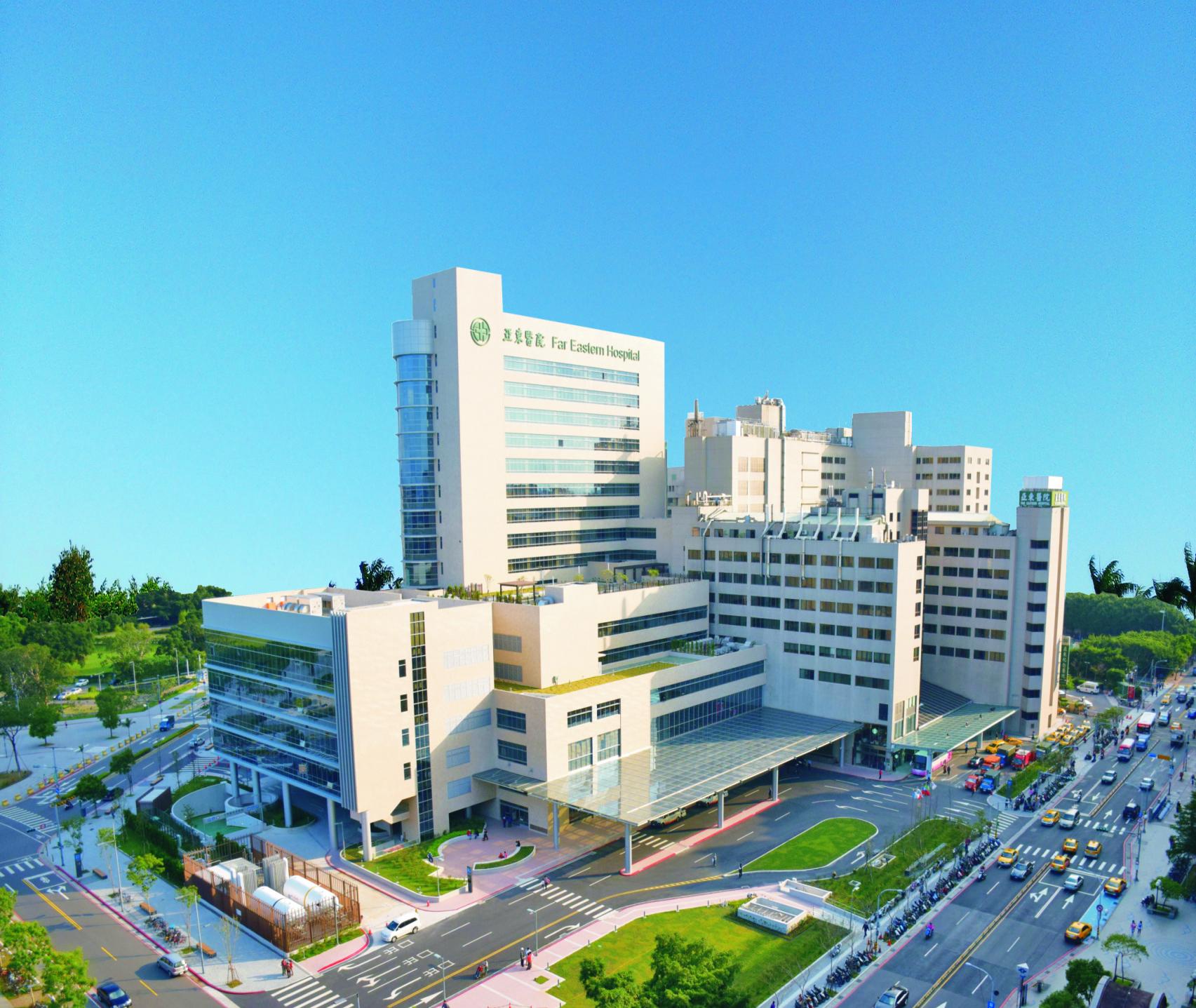 亞東心臟醫學中心希望在各方面皆能成為別人追隨的目標,因此在心臟及血管的微創手術,心臟外科一直在努力發展,近期將成立心臟微創中心