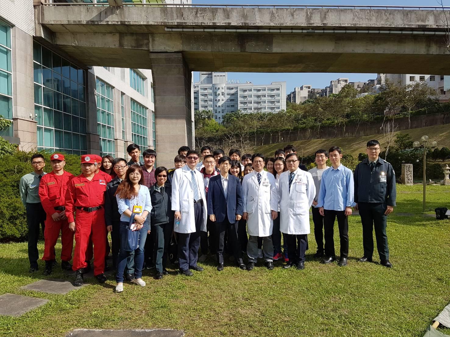 醫師及國醫學生、日本學生、中華民國搜救總隊大合照