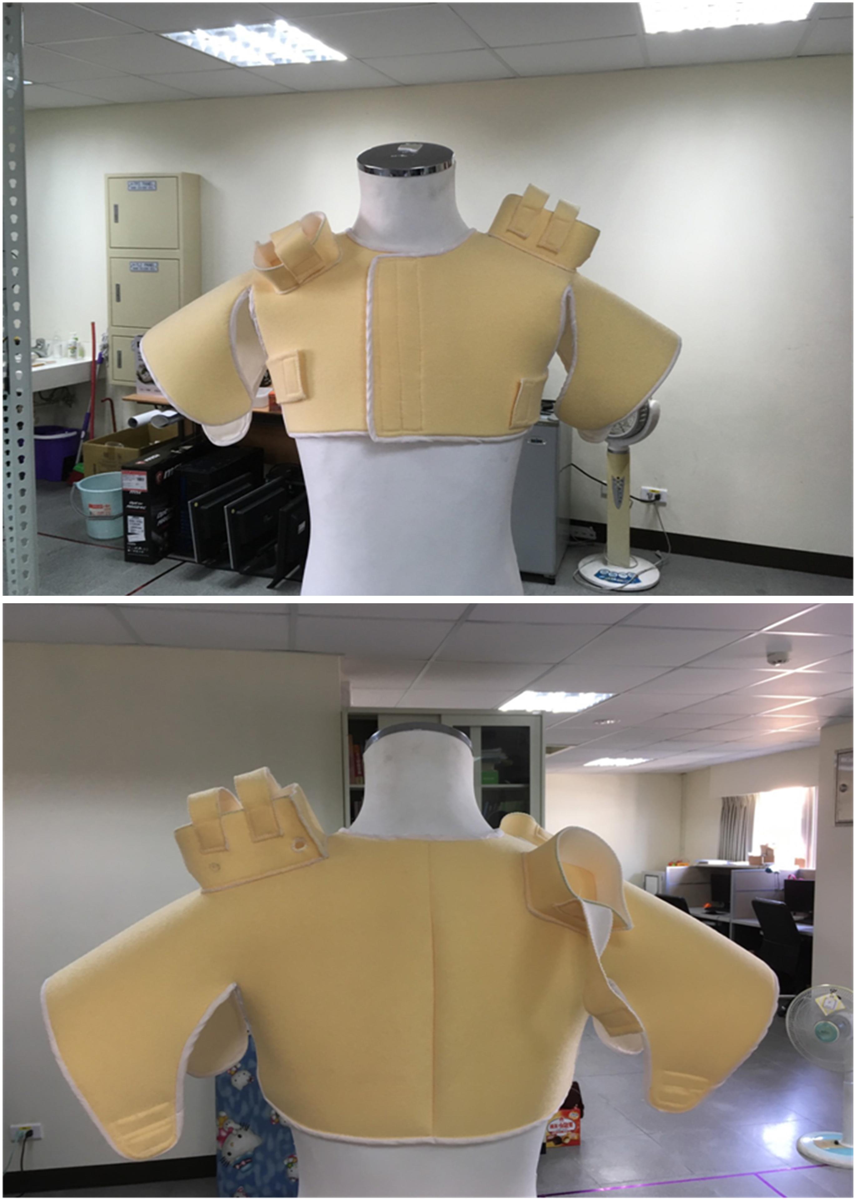 於實驗室針對背負單元的結構與穿戴步驟作測試