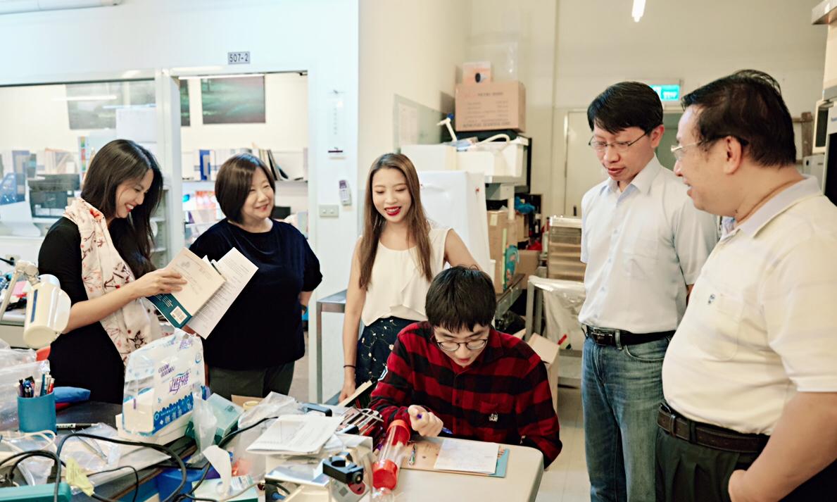實驗室空間團隊討論合照
