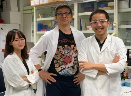 研發團隊於實驗室內合照