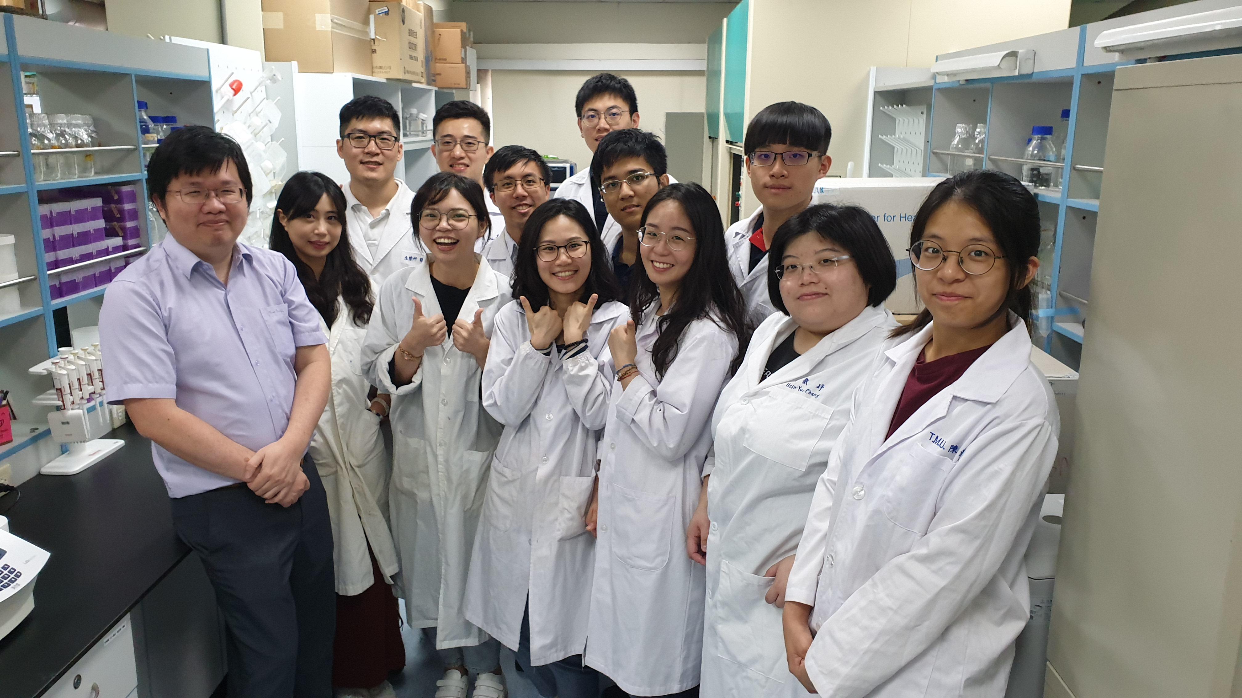 實驗室團隊合照