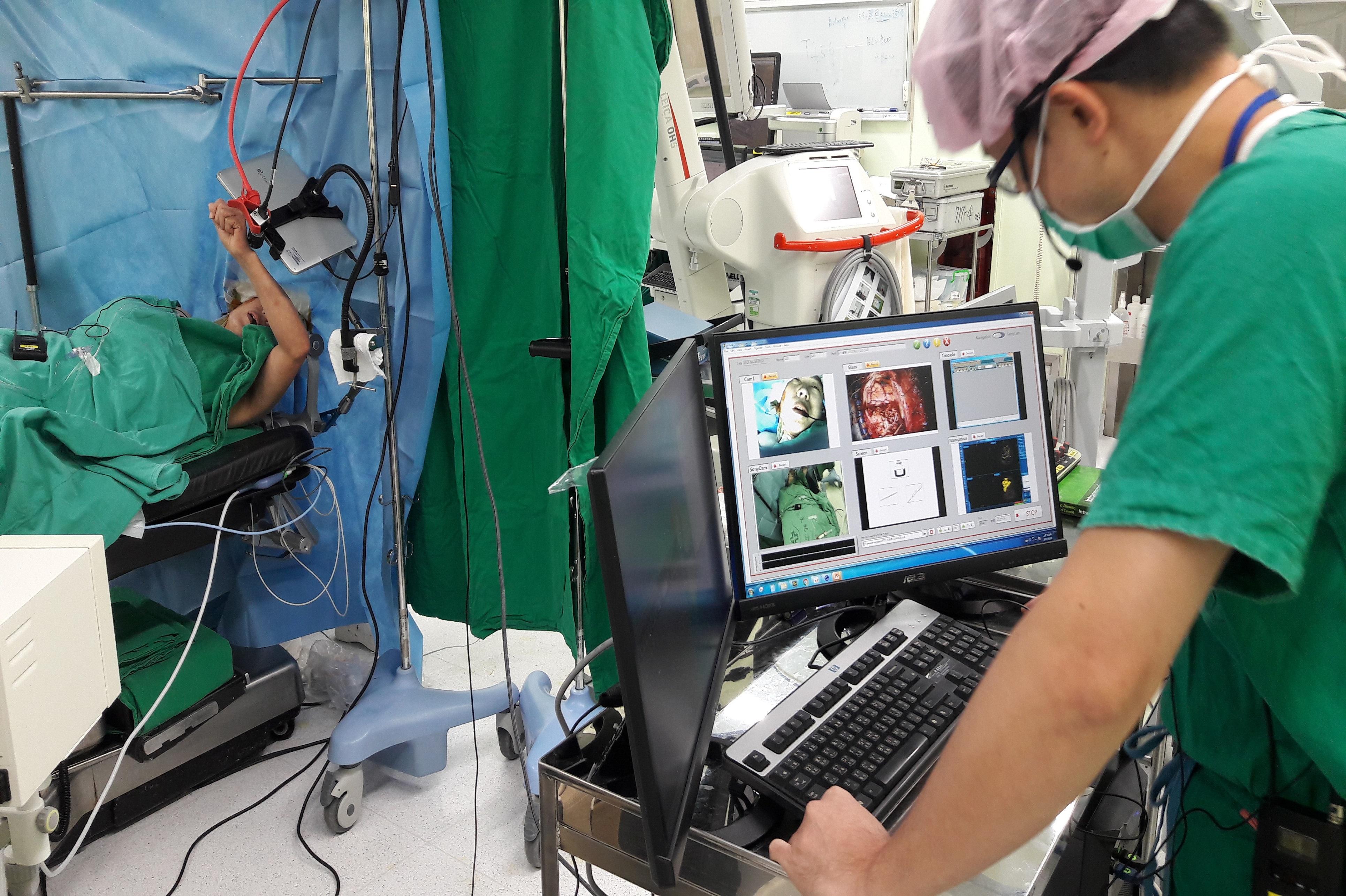 術中腦功能測驗主要測試病患的運動及語言功能