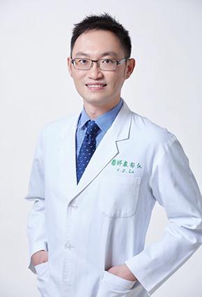 盧郁仁醫師照