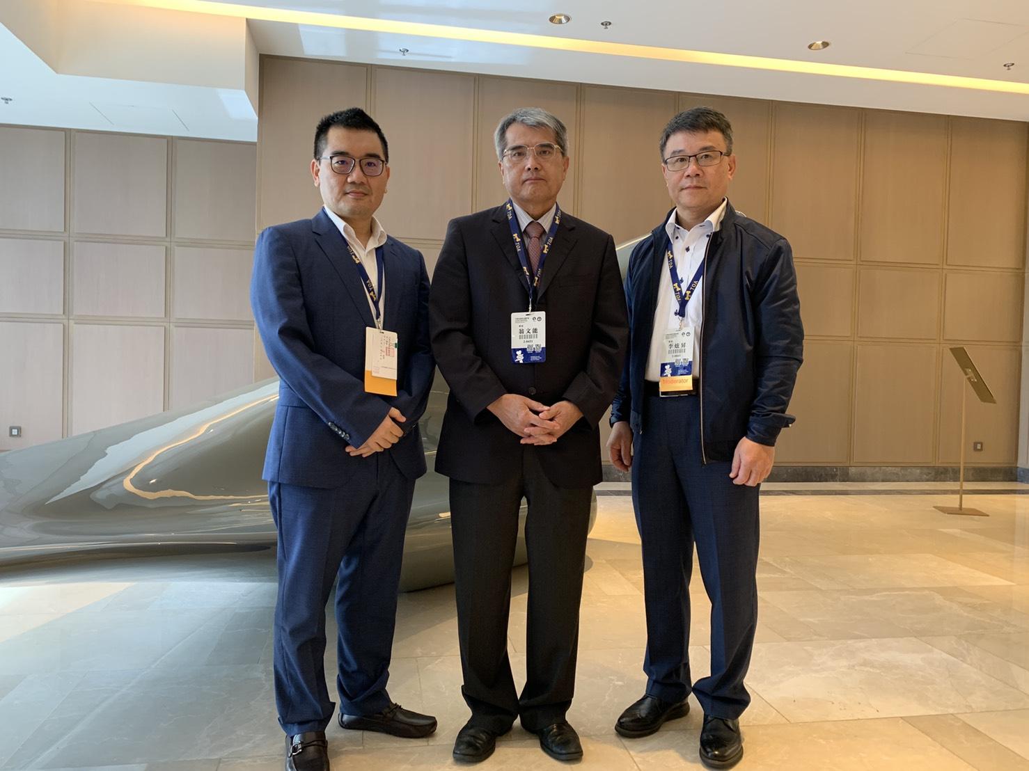 研究團隊照片(左起為張毓翰教授、翁文能教授、李炫昇教授)